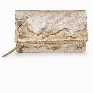 Stella & Dot Margeaux Gold sequined clutch
